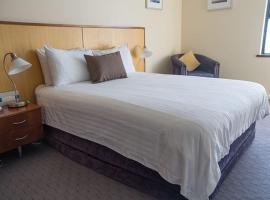 Ocean Beach Hotel,位于珀斯的酒店