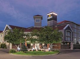 丹佛机场DIA拉昆塔套房酒店,位于丹佛的酒店