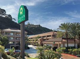 圣地亚哥海洋世界动物园区拉金塔旅馆及套房酒店,位于圣地亚哥的酒店