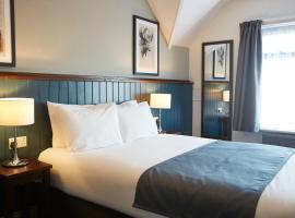 The Spyglass & Kettle by Greene King Inns,位于伯恩茅斯的酒店