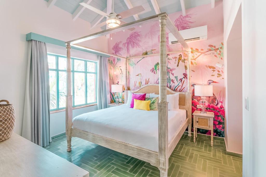Boardwalk Boutique Hotel Aruba客房内的一张或多张床位