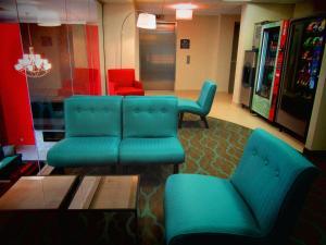 蒙特利尔贝斯特韦斯特优质酒店的休息区