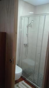 VistaFreita- Rooms & Suites的一间浴室