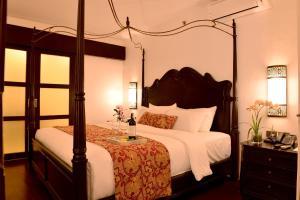 长滩岛夏季宫殿酒店客房内的一张或多张床位