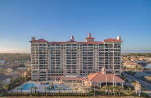 蒂尔曼海滩和高尔夫度假酒店