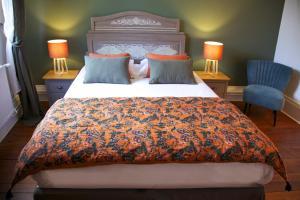 La bohème - Chambres d'hôtes客房内的一张或多张床位
