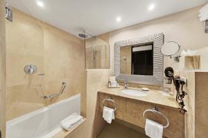 巴塞罗阿鲁巴全包度假酒店的一间浴室