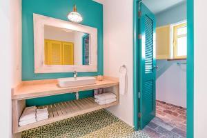 Boardwalk Boutique Hotel Aruba的一间浴室