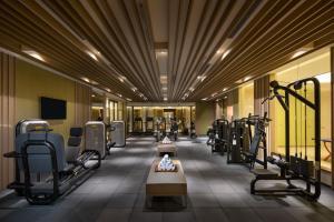 上海南新雅大酒店的健身中心和/或健身设施