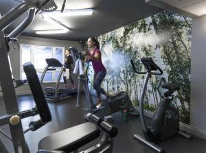 科夫特尔酒店的健身中心和/或健身设施