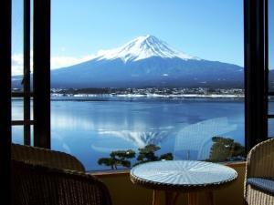 山景或在日式旅馆看到的山景