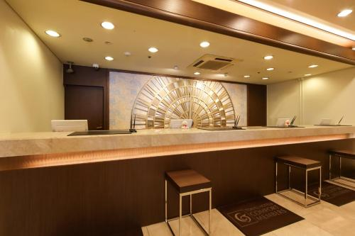 神户三宫东急REI酒店的一间浴室