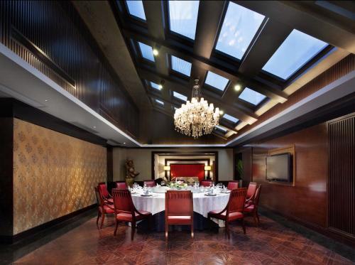 重庆江北希尔顿逸林酒店餐厅或其他用餐的地方