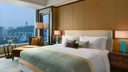 厦门源昌凯宾斯基大酒店客房内的一张或多张床位
