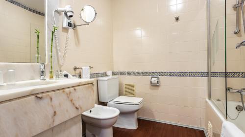 萨格里什酒店的一间浴室