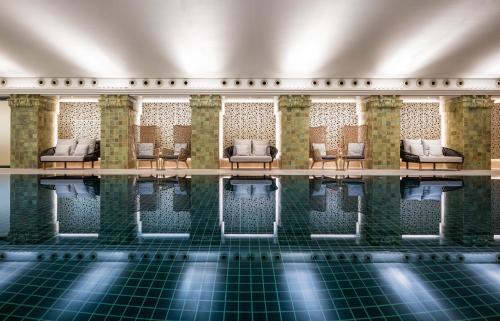 汉堡凯悦公寓酒店内部或周边的泳池
