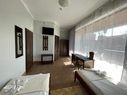 Rentumi Hotel Warszawa (Fort Hotel)的休息区