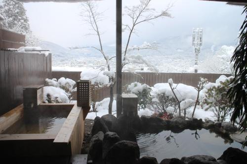 冬天的汤布院山庄吾亦红日式旅馆