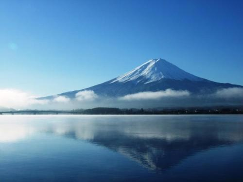 冬天的秀峰阁 湖月