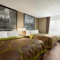 雅克斯/多伦多速8酒店,位于阿贾克斯的酒店