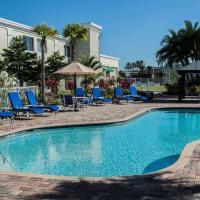 邻近露天市场和依波城品质套房旅馆,位于坦帕的酒店