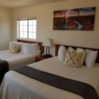 Private Suite Getaway near Grand Canyon Sleeps 6,位于瓦莱的酒店