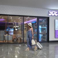 YOTELAIR Istanbul Airport, Duty free - International Transit area,位于伊斯坦布尔的酒店