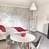 Red Tower Venice - 2 mins from VCE Airport- free Wifi