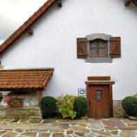 Casa Rural ERTEIKOA - Selva de Irati,位于Aria的酒店