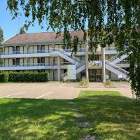 普瑞米尔阿瓦隆经典酒店,位于索维尼勒布瓦的酒店