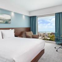 希尔顿汉普顿伯恩茅斯酒店,位于伯恩茅斯的酒店