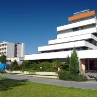 Central Ensana Health Spa Hotel,位于Smrdáky的酒店